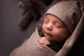 newborn photographer bolton