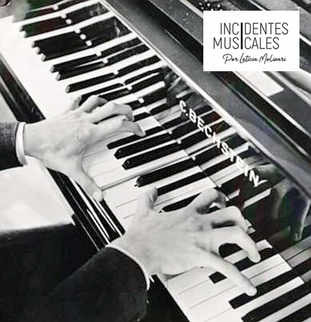 PIANO A DOS MANOS… ¡VAYA NOVEDAD!