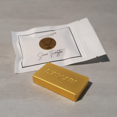 solid fragrance unisex. gold. earth