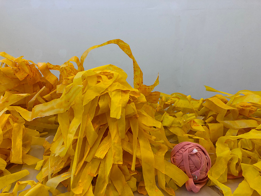 regalame un sol, detail of the installation