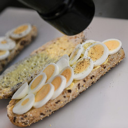 Sliced Egg on Muli Seed Roll
