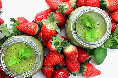 strawberry mint green smoothie