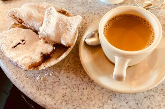 Beignets & coffee