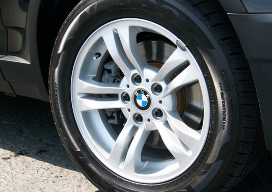 BMW Wheel Refinish