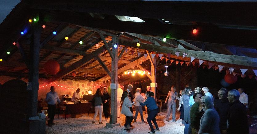 Dordogne Eymet Duras Bergerac Foy DJ disco hire rent barn