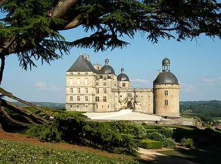 Chateau Hautefort.jpg