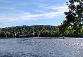 Cottages de Garrigue Dordogne walking holidays river
