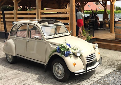 Wedding%202cv_edited.jpg