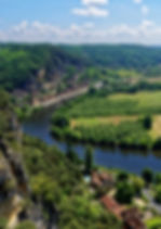 France Dordogne river landscape cliffs beautiful holiday Cottages de Garrigue
