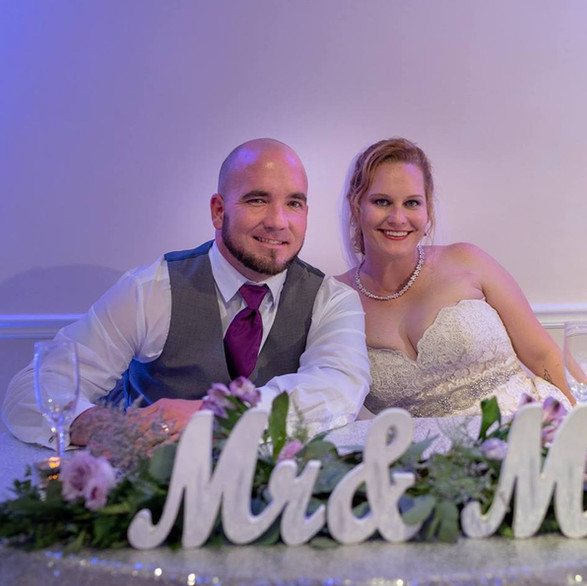 Mr & Mrs. McDaniel Manatee River Garden Cub