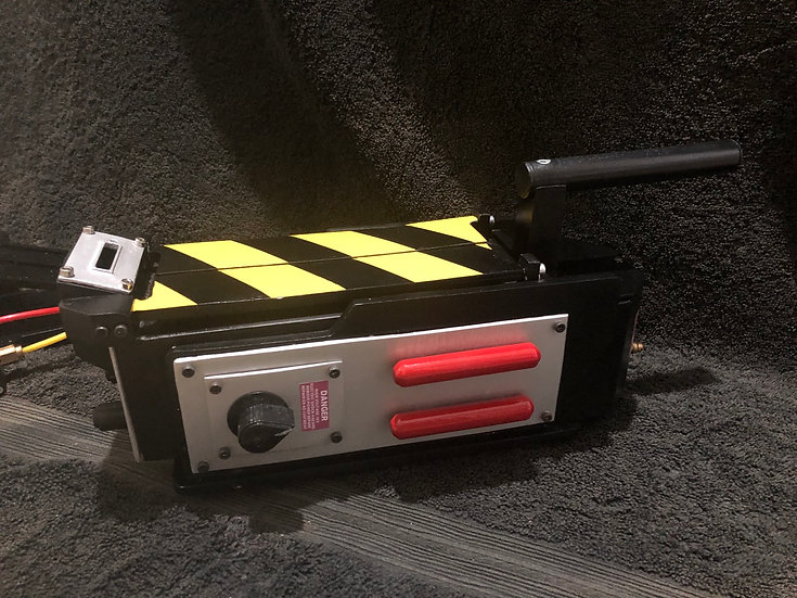 Replica ghostbusters ghost trap and pedal: GB1 style.
