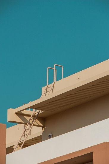 Instagram, warm colours, line, building, perpective, desert, warwick photosoc competition