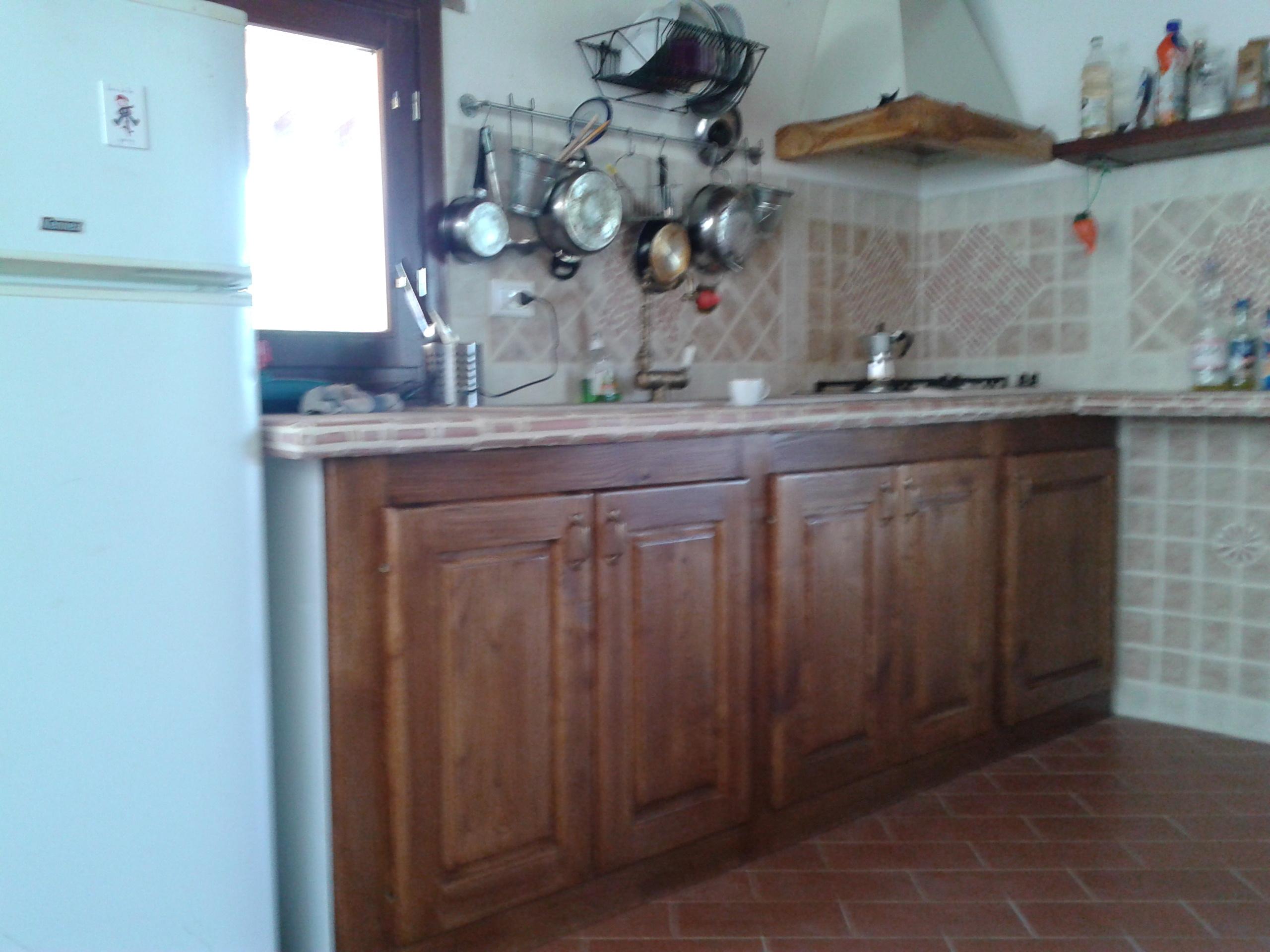cucina in castagno_vista laterale