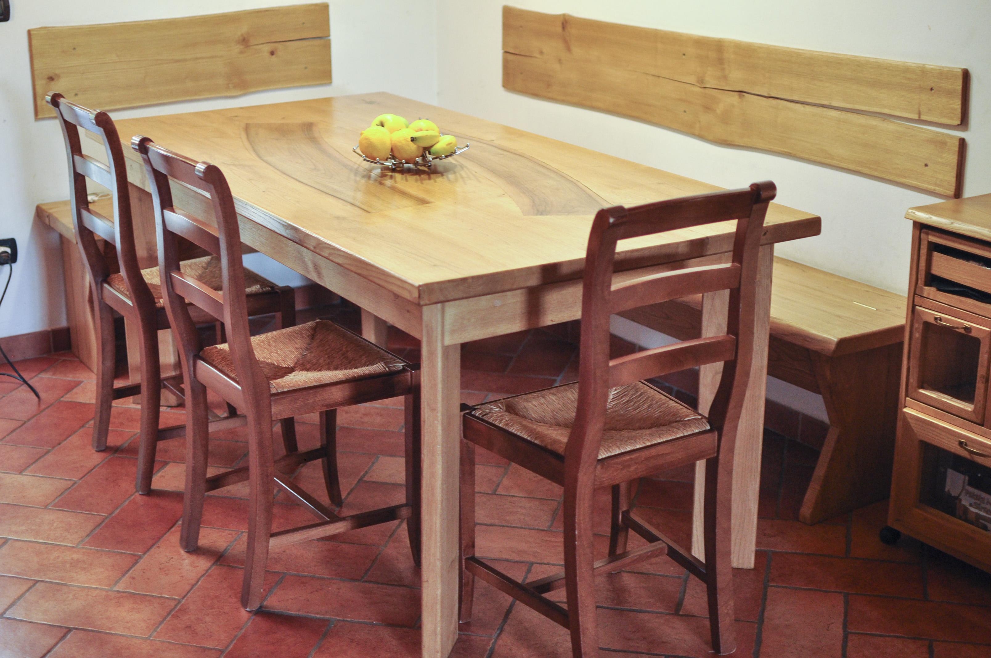 tavolo in castagno