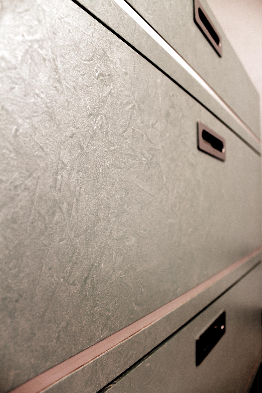 cassettiera_finitura argento