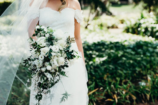 White contemporary cascade bouquet