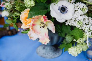 Peach and white centrepiece urns