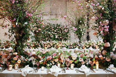 Spring table garland, flower wall and trees