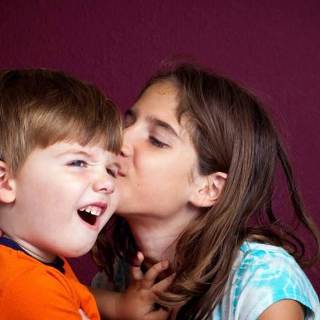 """""""Dai un bacio alla nonna.""""L'affetto forzato."""