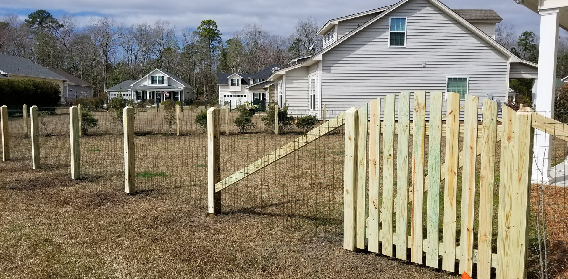 Farm Style with arch gate