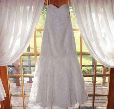bridal-gown-window.jpg