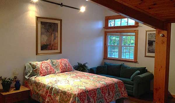 guest-room-queen-bed.jpg