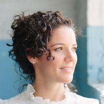 Singer / Songwriter Robyn Owen