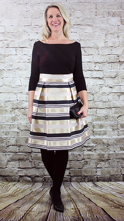 Swing Kleid Jacquard Streifen