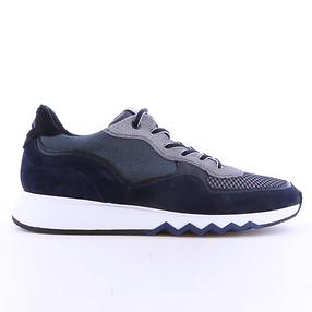 floris_van_bommel_sneaker_blau.png