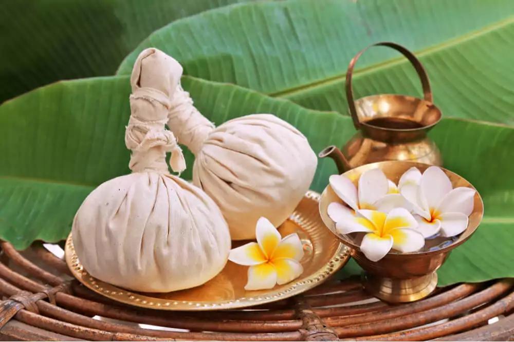 体調が悪くなったら「スンタラー」に行ってマッサージを受けるというのがタイ人の伝統的な考え方なのです。