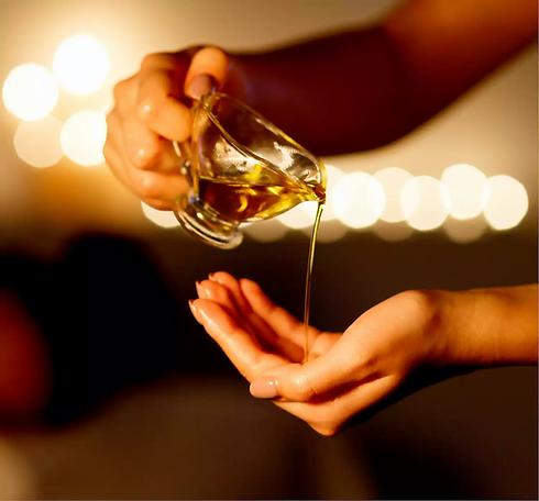 aroma-oil-massage.webp