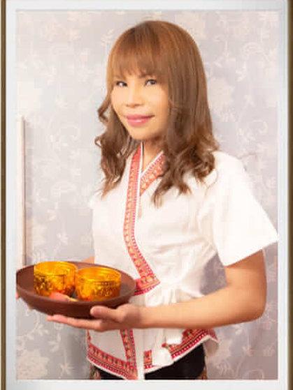 ミカMika女性セラピスト写真