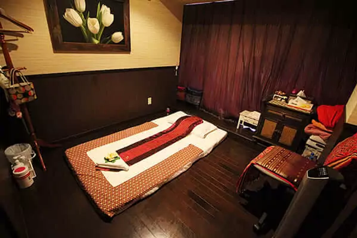 sky-massage-room-a.webp