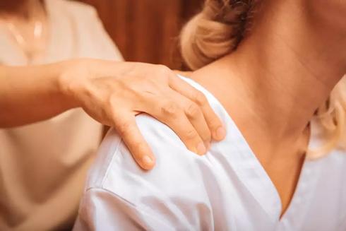 thai-massage.webp