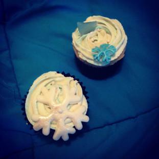 Snow cupcakes