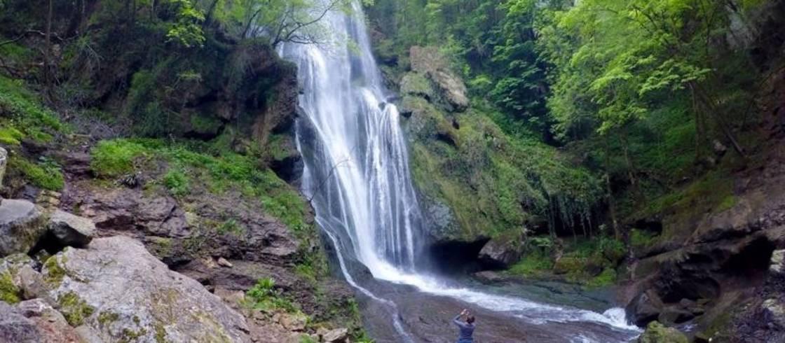 cascade à Autoire, un des plus beau villages de France