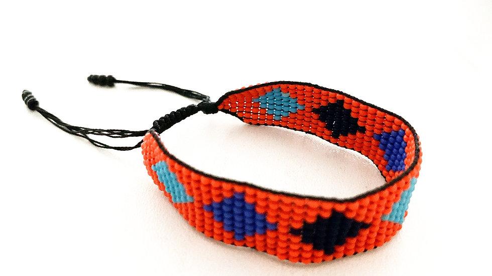 Whide thread bracelet