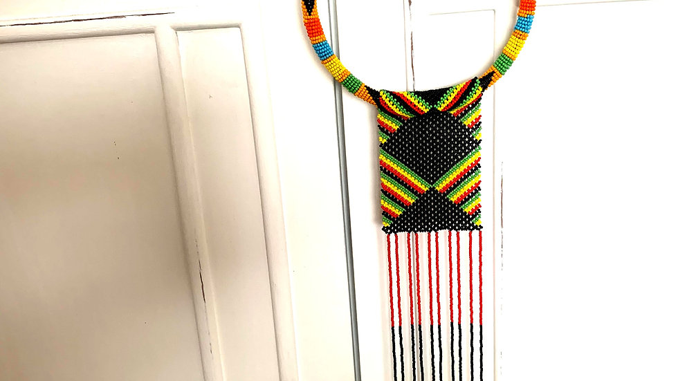 Necklace with Maasai crochet pattern, dangling beads