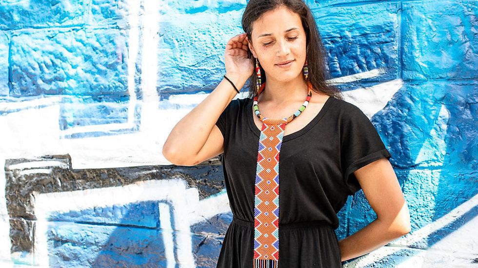 Collier avec motif au crochet Massai orange/bleu