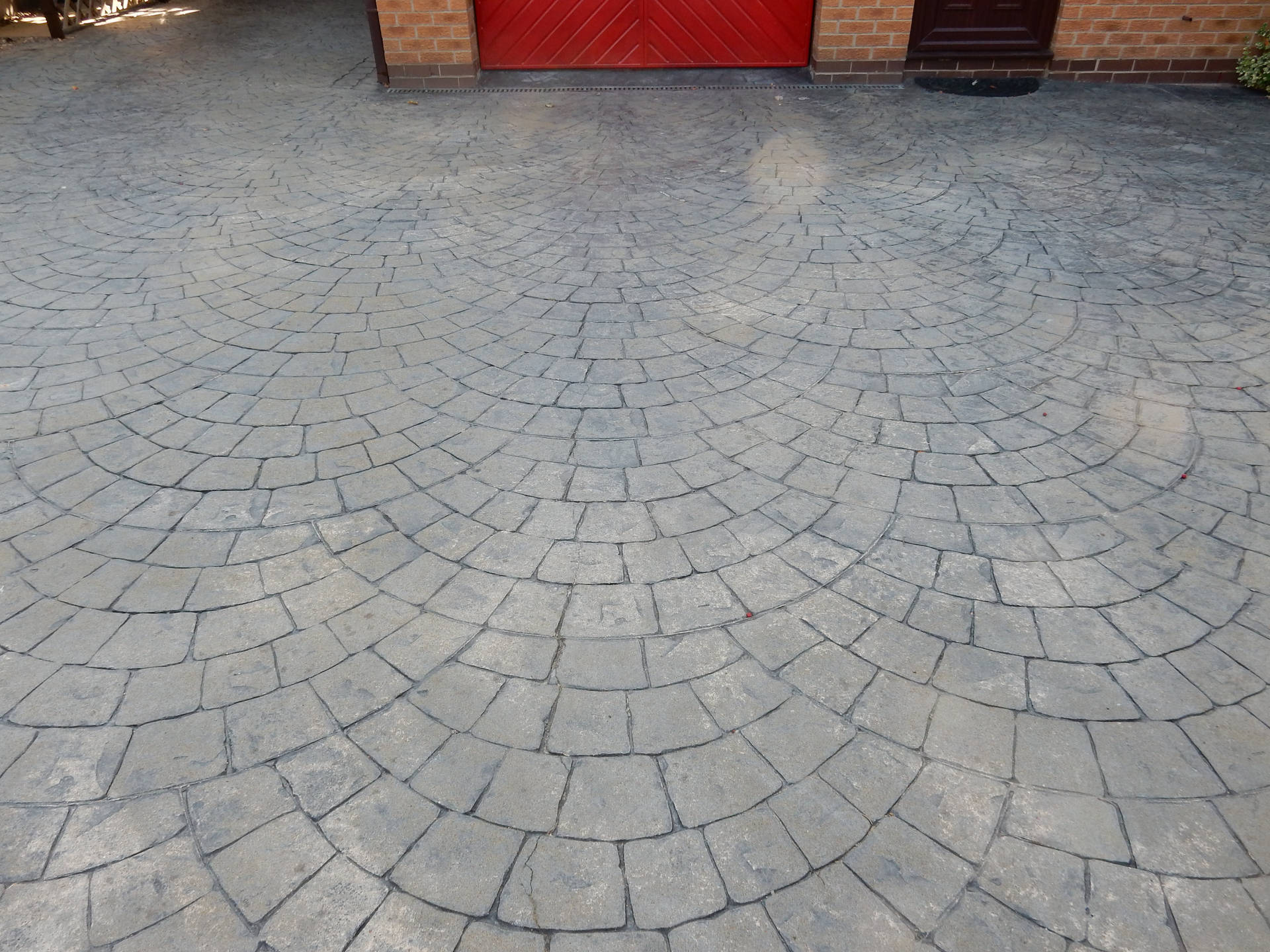 Patterned Concrete Drive After Cleaning