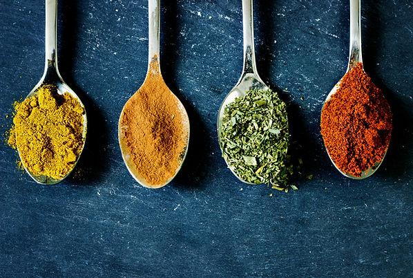 kryddor på sked