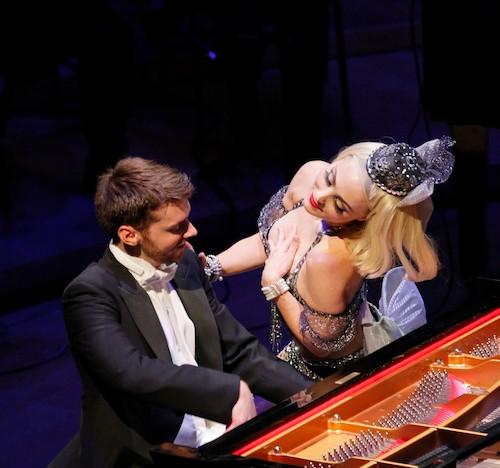 Pianist-Peter-Dugan-and-dancer-Kiva-Daws