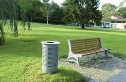 Sineu-Graff-Contemporary-Round-Aperture-in-TopEmpty-Via-Top-Steel-and-Stainless-Steel-Litter-Bin-172