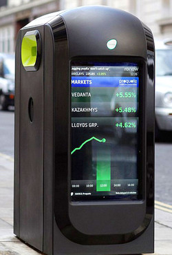 london-smart-recycle-bin-with-lcd-screen-front-angle-view