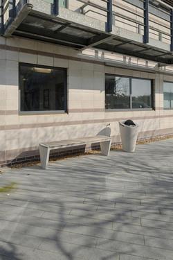 Coda-bench-and-litter-bin-11074