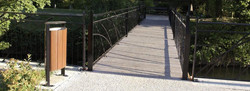 Sineu-Graff-Classic-Elliptical-Timber-Litter-Bin-5060