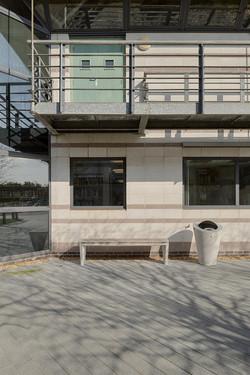 Coda-bench-and-litter-bin-11075