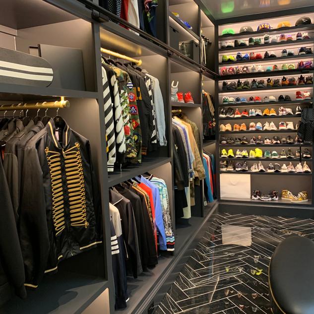 closet 13.JPG