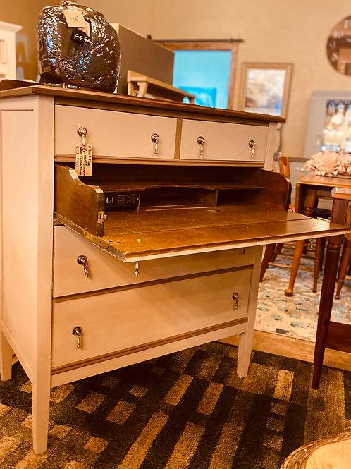 Albert Pine Desk/Dresser with USB plug-ins (d107)
