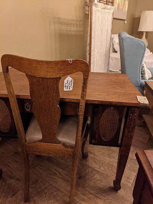Quarter Sewn Oat Chair/Claw Feet (CH-104)
